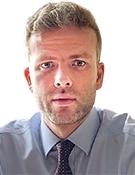 Илья Хабаров, начальник управления клиентских операций на финансовых рынках Экспобанка