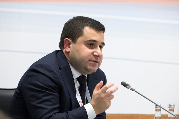 Никита Стасишин (Минстрой). Фото: «Гайдаровский форум»