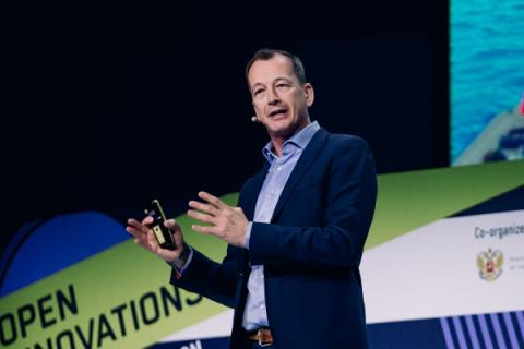 Вице-президент Huawei Edwin Diender