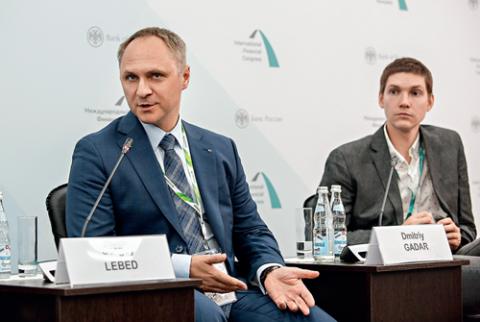 Сергей Лебедь (слева), Сбербанк, и Дмитрий Гадарь, Тинькофф Банк. МФК2018