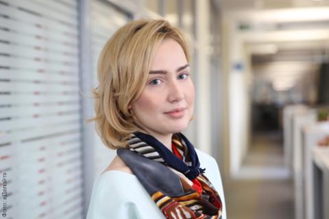 Лора Землянская, «Делойт»