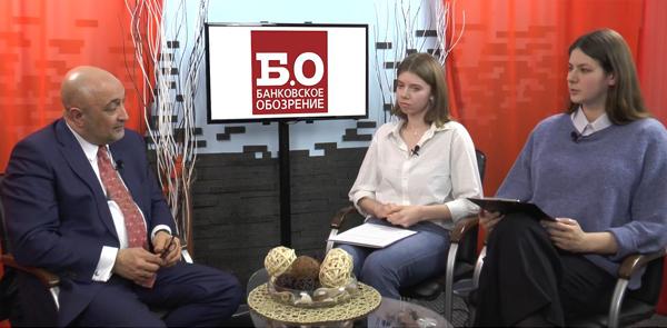 Эльман Мехтиев (НАПКА), Александра Горина и Мария Кубалова («Б.О»). Фото: Finversia.ru